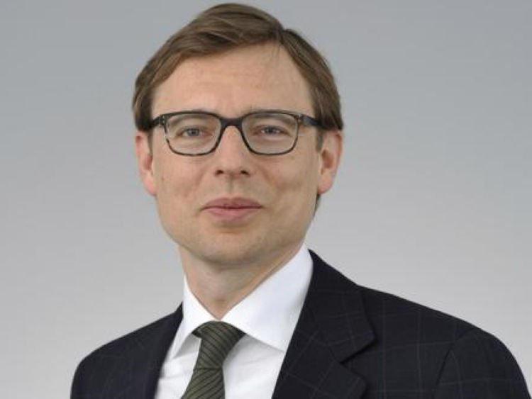 Schmitz-Esser Valerio Credit Suisse Asset Management Credit Suisse ETF